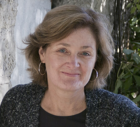 Joan Thomas author photo